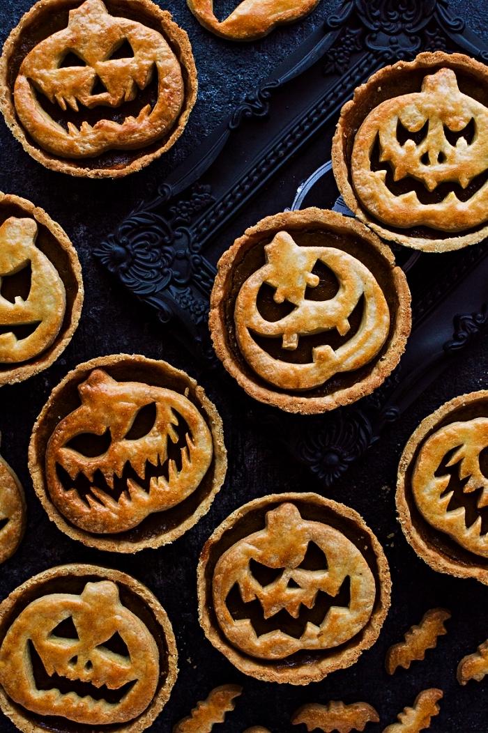 recette de tartelettes jack o'lanterne à la citrouille, recette halloween de mini-tartelettes citrouille