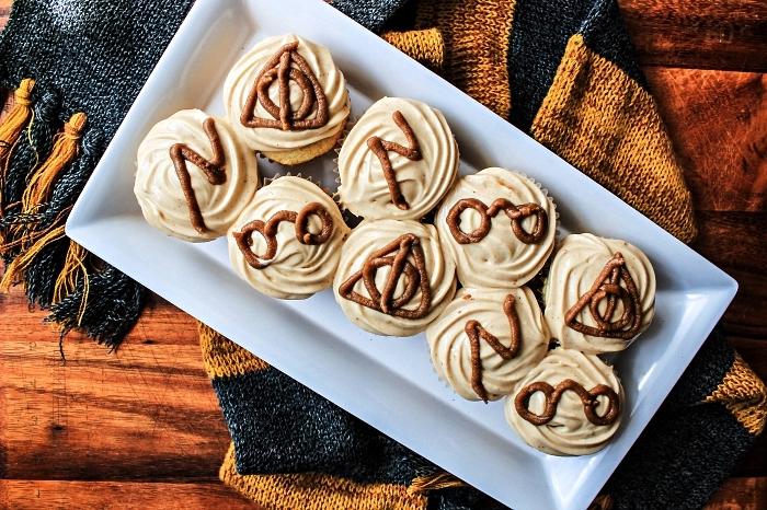 recette harry potter de cupcakes au butterbeer, petit gateau halloween sur le thème harry potter