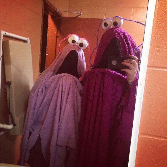Monstres de linge violet, originale idée déguisement drôle de dernière minute, idée déguisement halloween