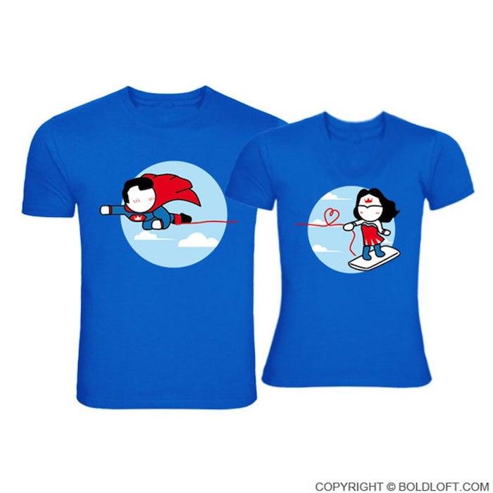 T shirts cadeau couple original, coffret cadeau couple, super man et wonder woman t-shirts bleus