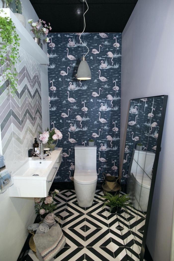 exemple amenagement wc moderne aux murs en carrelage nuances de gris et violet pastel, modèle papier peint flamant rose