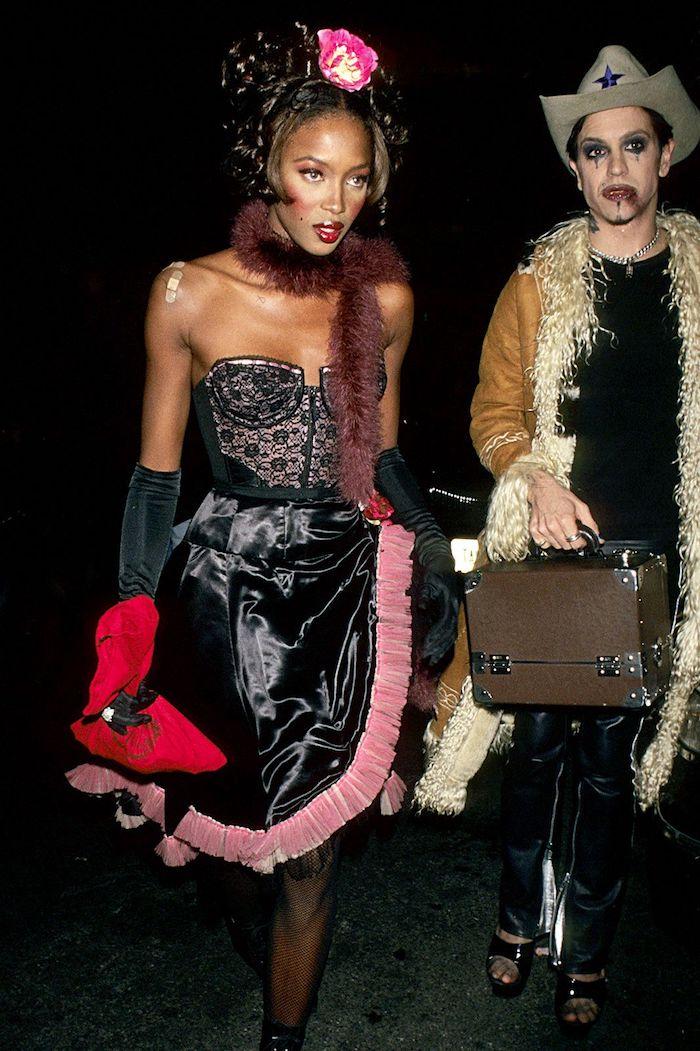 Tyra Banks déguisement halloween célébrité vetement année 90, comment s'habiller pour une soirée année 90