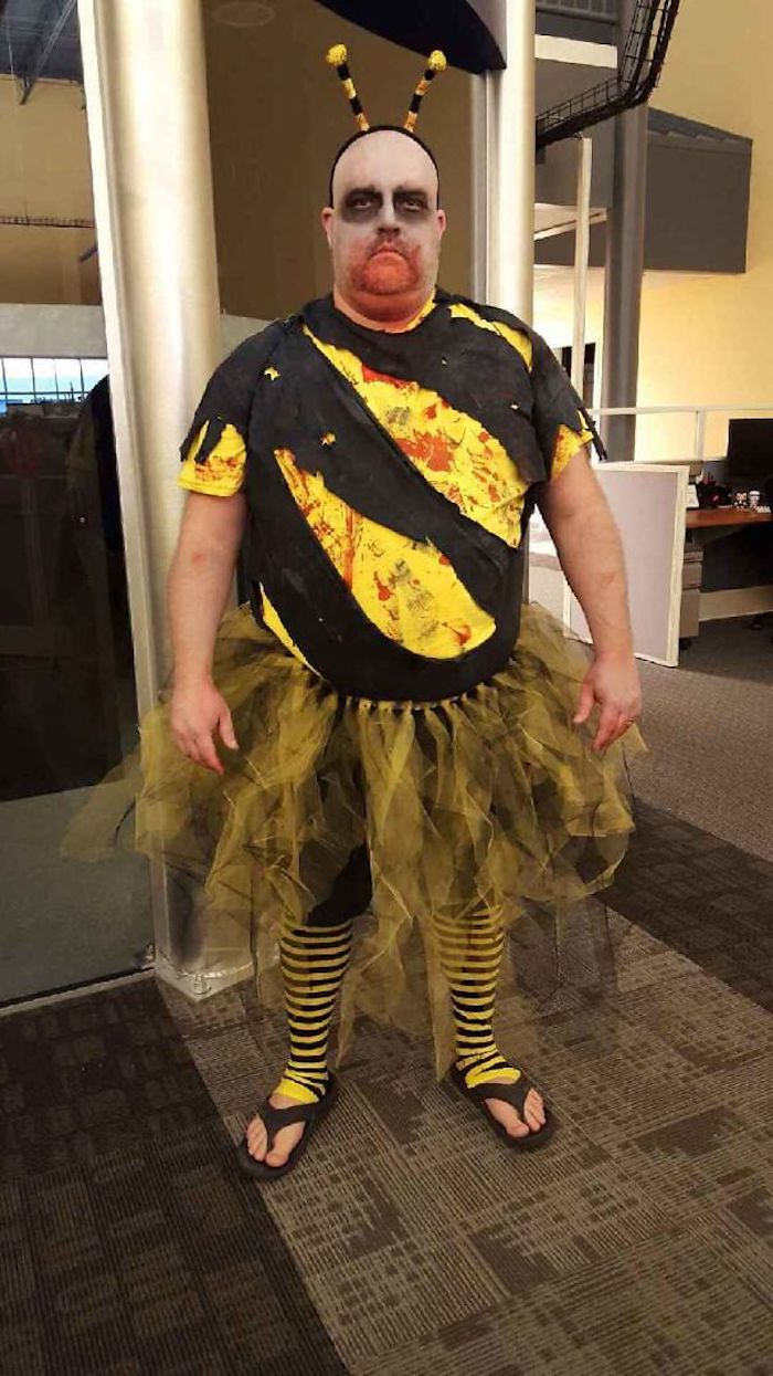 Zom-bee abeille déguisement halloween homme original, smart idée déguisement original jeu de mots
