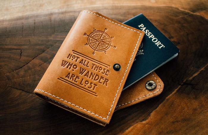 Couverture passeport cuir avec citation le seigneur des anneaux, cadeau de voyage pour homme et femme, idée quel cadeau offrir