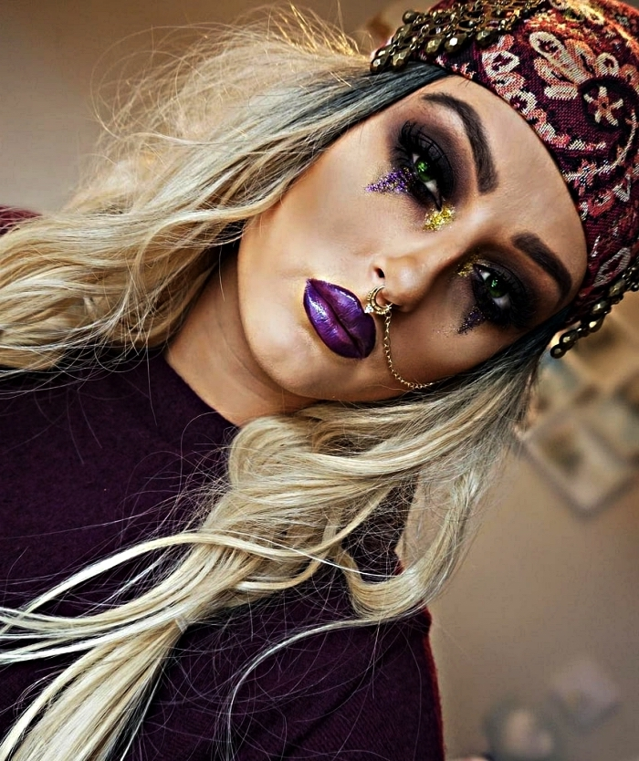 maquillage de pirate femme glam dans les tons violet et noir, maquillage de festival pour un look pirate femme,maquillage halloween facile faire maison