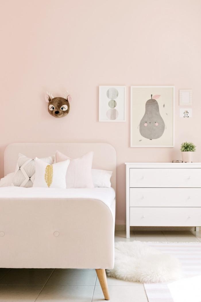 comment décorer une chambre enfant, quelle peinture pour une chambre enfant fille, exemple de chambre rose poudré