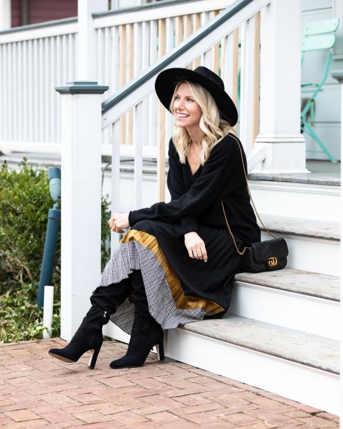 comment porter une jupe longue boheme bimatière, idée look bohème en jupe fluide avec capeline et bottines noirs