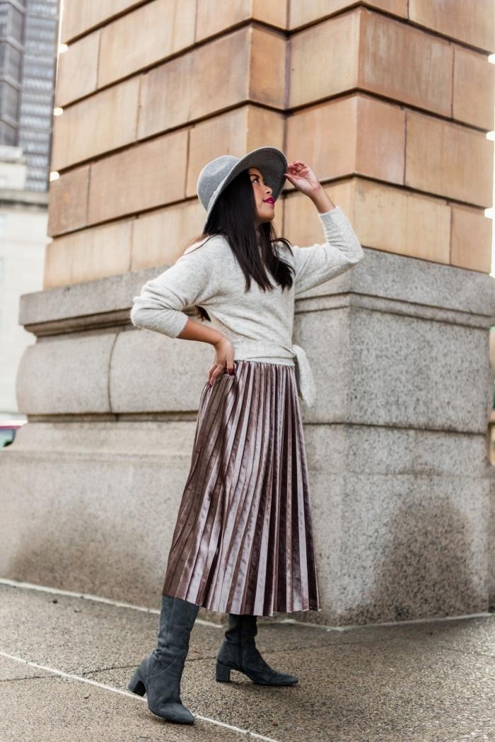 mode femme automne-hiver, idée comment assortir les couleurs de ses vêtements, modèle de jupe midi plissée tendance