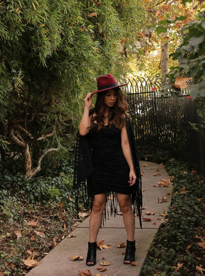 idée comment s'habiller comme une femme vampire contemporaine, tenue vampire DIY, exemple deguisement vampire facile