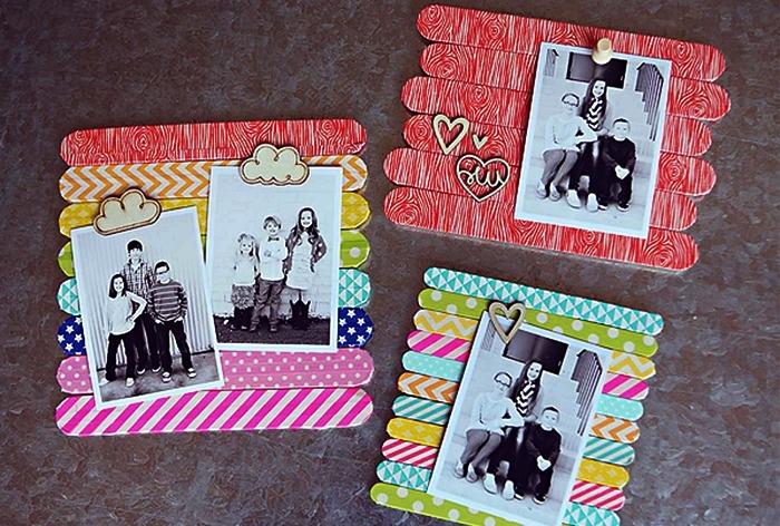 fabriquer des mini-cadres photos avec des bâtonnes de glace à motifs variés, idée de cadeau personnalisé pour la fête des mères