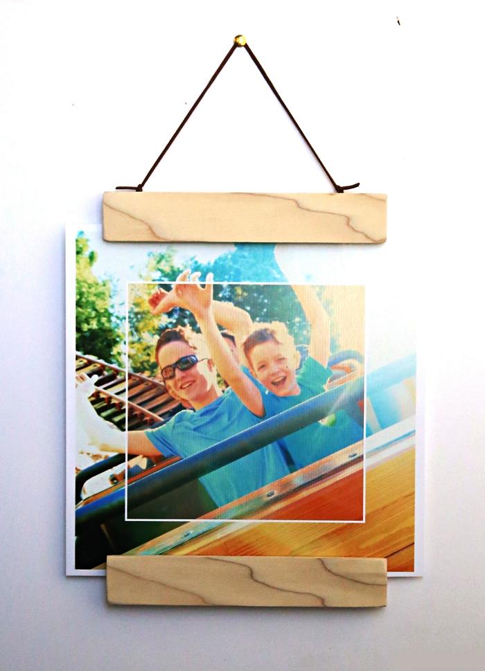 encadrement d'affiche ou de photo à suspendre au mur, cadre mural vintage réalisé à partir des baguettes de bois
