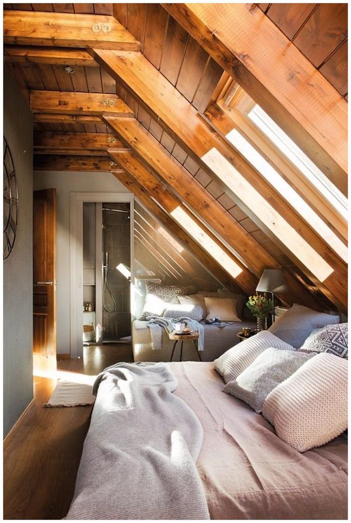 Fenêtre sur le toit chambre à coucher cosy, deco montagne chic, decoration bois chalet rustique