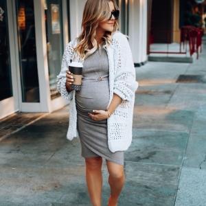 Tenue femme enceinte en accord avec les tendances de l'automne-hiver 2019-2020