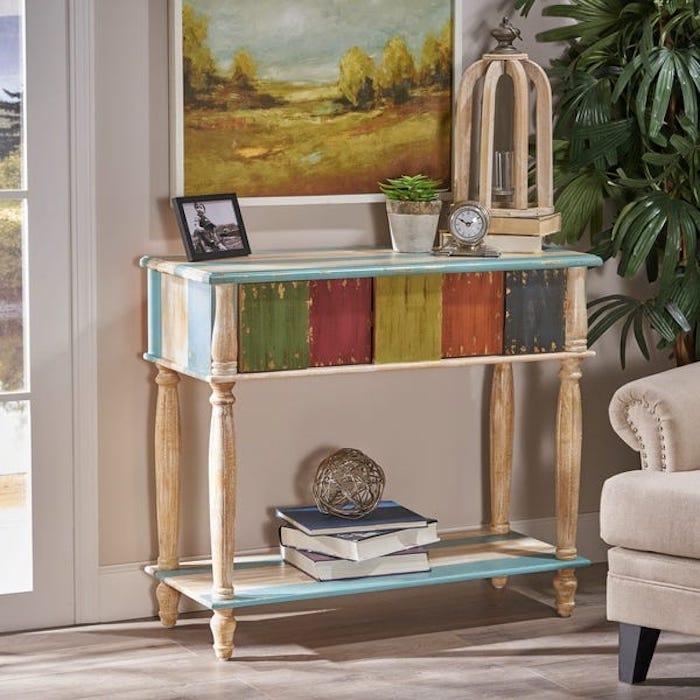 Idée pour relooker un meuble en chene, peindre un meuble en bois, vintage meuble table decorative coloré