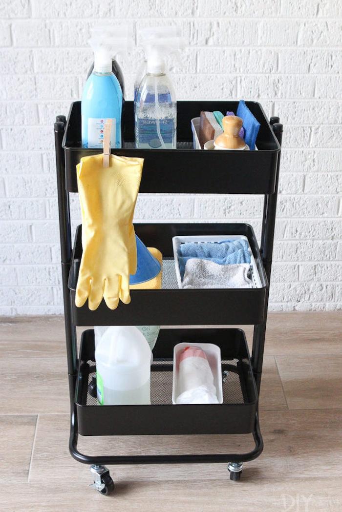 bidouille ikea, rangement produits de nettoyage à ranger dans une buanderie, meuble wc ikea