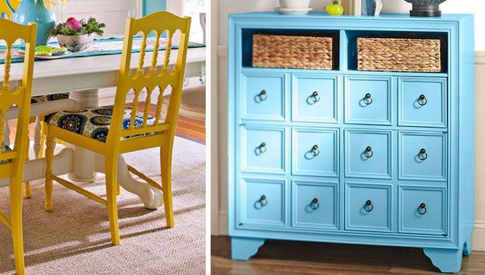 Bleu placard avec jaunes chaises et table longue, repeindre un meuble, relooker un meuble en bois, relooker un meuble en chene