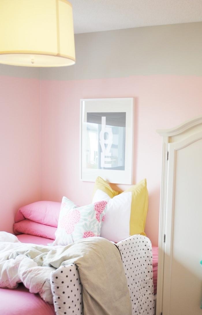 quelle couleur pour une chambre fille, décoration murale avec peinture deux couleurs en rose pale et gris clair