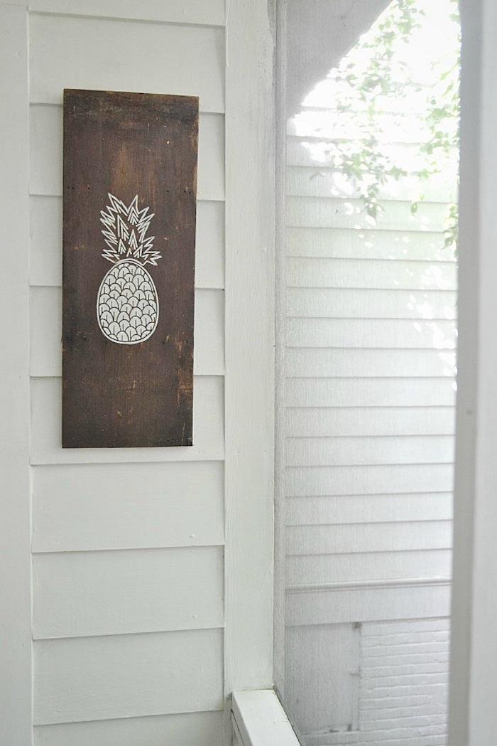 Pochoir ananas pour tableau en bois, peinture pour meuble de cuisine, comment repeindre un meuble sans le poncer