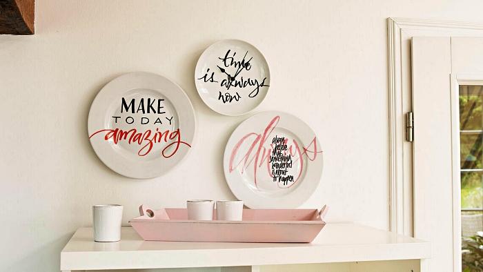 déco murale d'assiettes décoratives personnalisées avec de la peinture porcelaine, citations motivantes sur assiettes murales