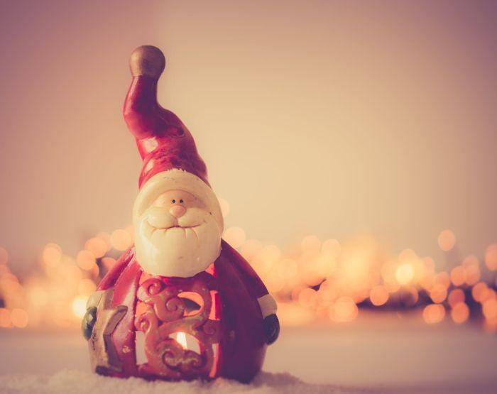 decoration de noel à faire vous memes, figurine en plâtre de père Noël