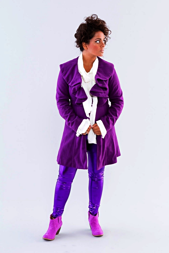 déguisement de chanteur des années 80, costume violet pour recréer le look de prince dans pluie pourpre