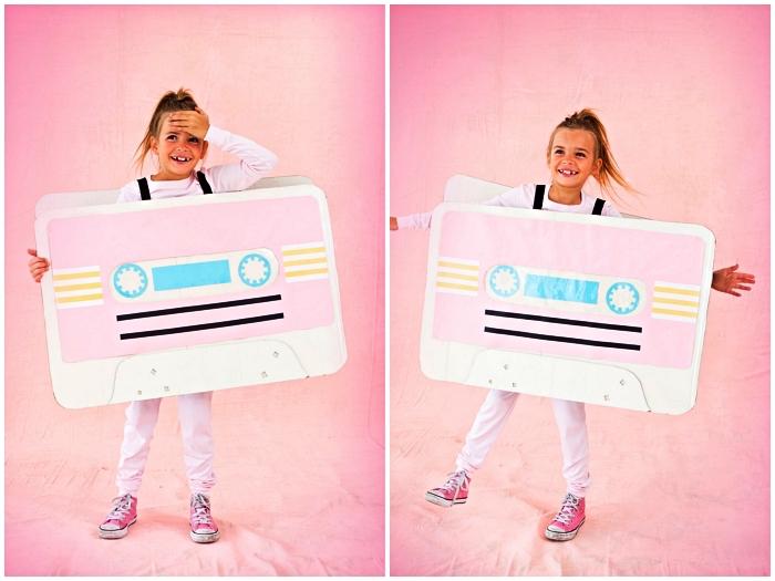 deguisement drole inspiré de l'époque des années 80, costume de cassette en carton à faire soi même