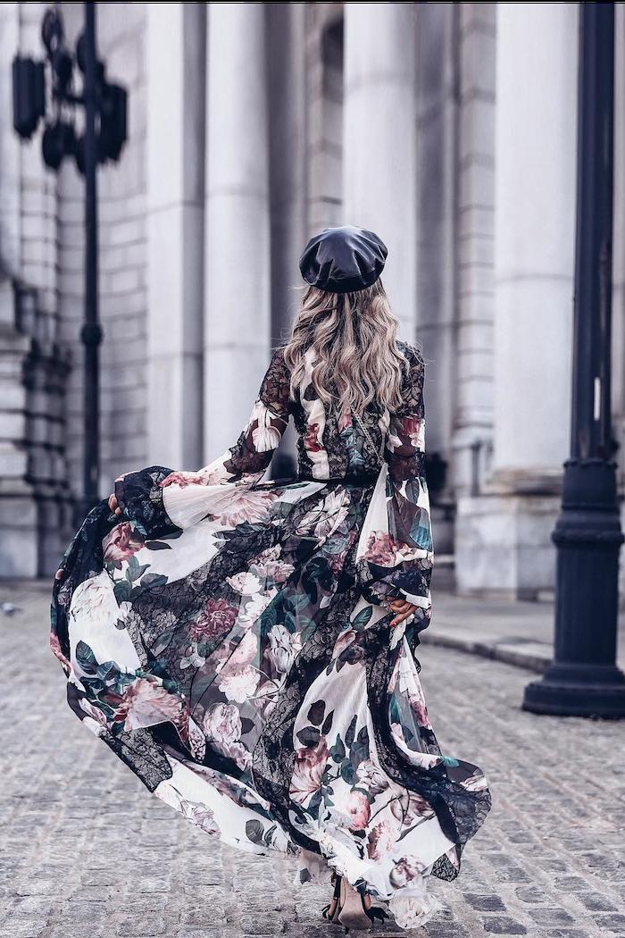 Femme bien habillée au style bohème chic, robe longue d'hiver, tenue classe femme quand il fait froid