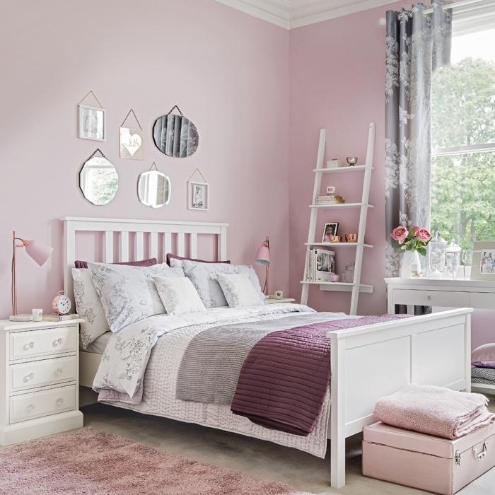 design chambre ado fille en rose, quelle couleur avec le rose dans une chambre fille, chambre gris et blanc aux murs rose