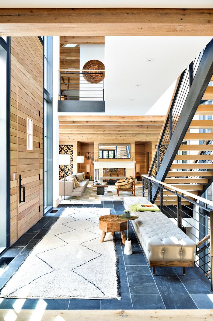 Tapis blanc long, entrée salon cosy moderne chalet chic, confort chambre cocooning, magnifique espace géante