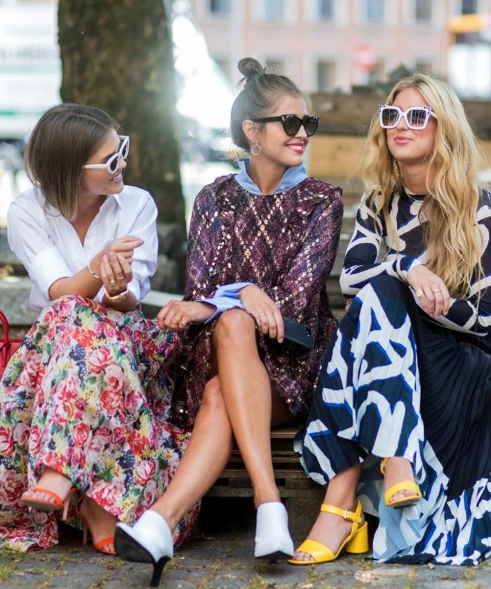 Amies tenue de la rentree, porter une robe longue fendue, robe longue moulante et pull ou veste, choisir son style