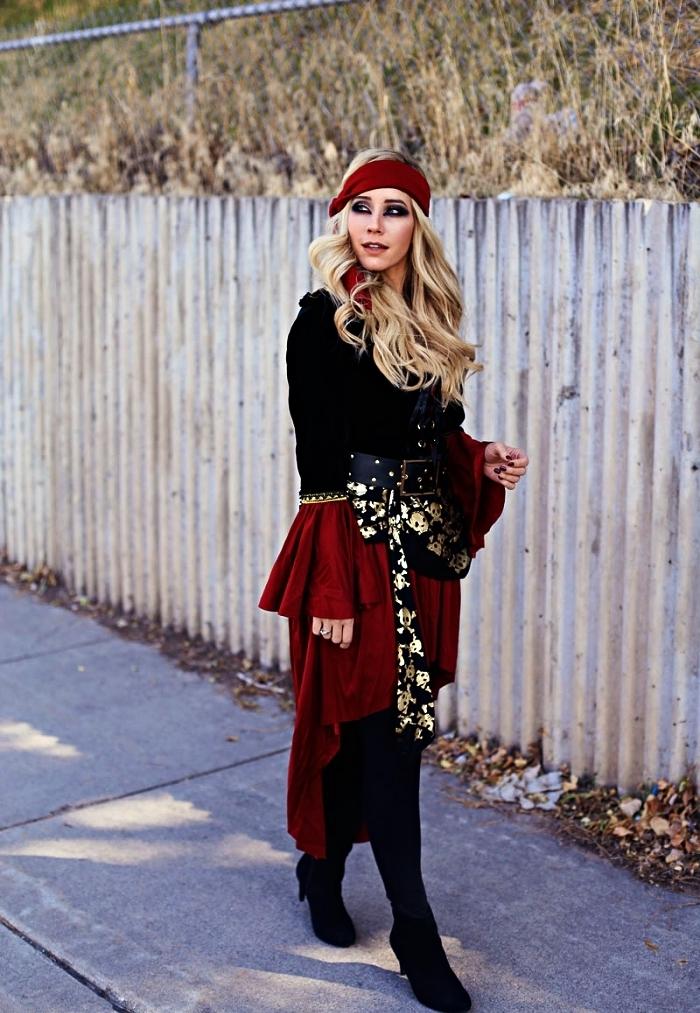 déguisement pirate femme complet qui comprend une veste, un pantalon, une ceinture et un bandana, costume de pirate pour femme à composer soi-même