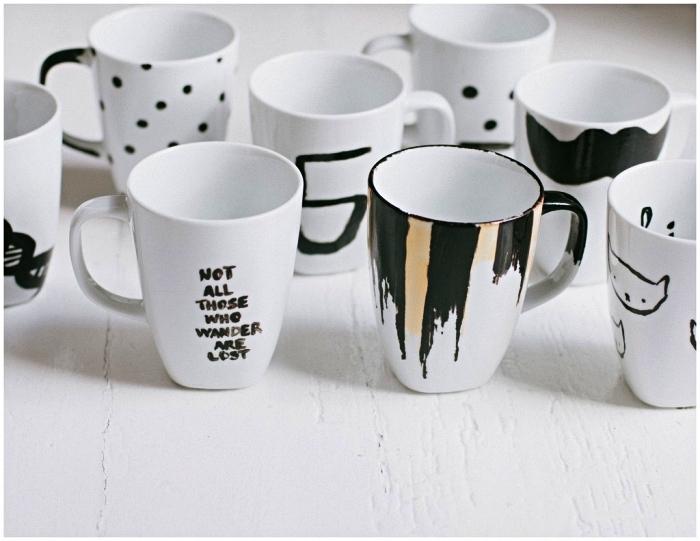 idée bricolage pour personnaliser ses mugs blancs, techniques de peinture sur tasses en porcelaine