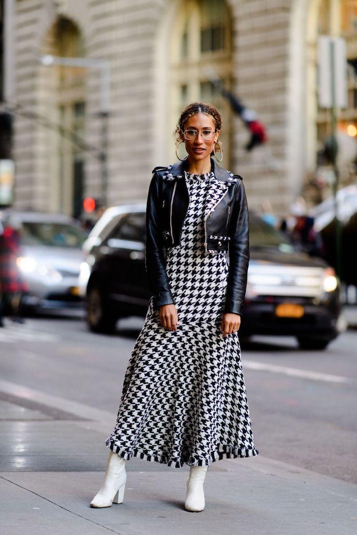 Pied de poule motif moderne, robe pull femme, comment porter une robe longue d'hiver, chouette tenue robe et veste moto court