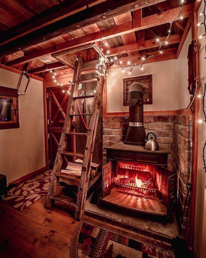 Beau décoration joviale qui donne l'atmosphère de la chaleur, interieur chalet, déco scandinave, petit chalet en bois