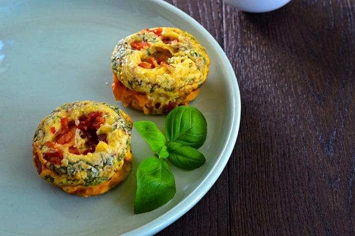 recette allégée de mini quiche au fromage, tomates et épinard, mini-frittatas aux légumes et au fromage
