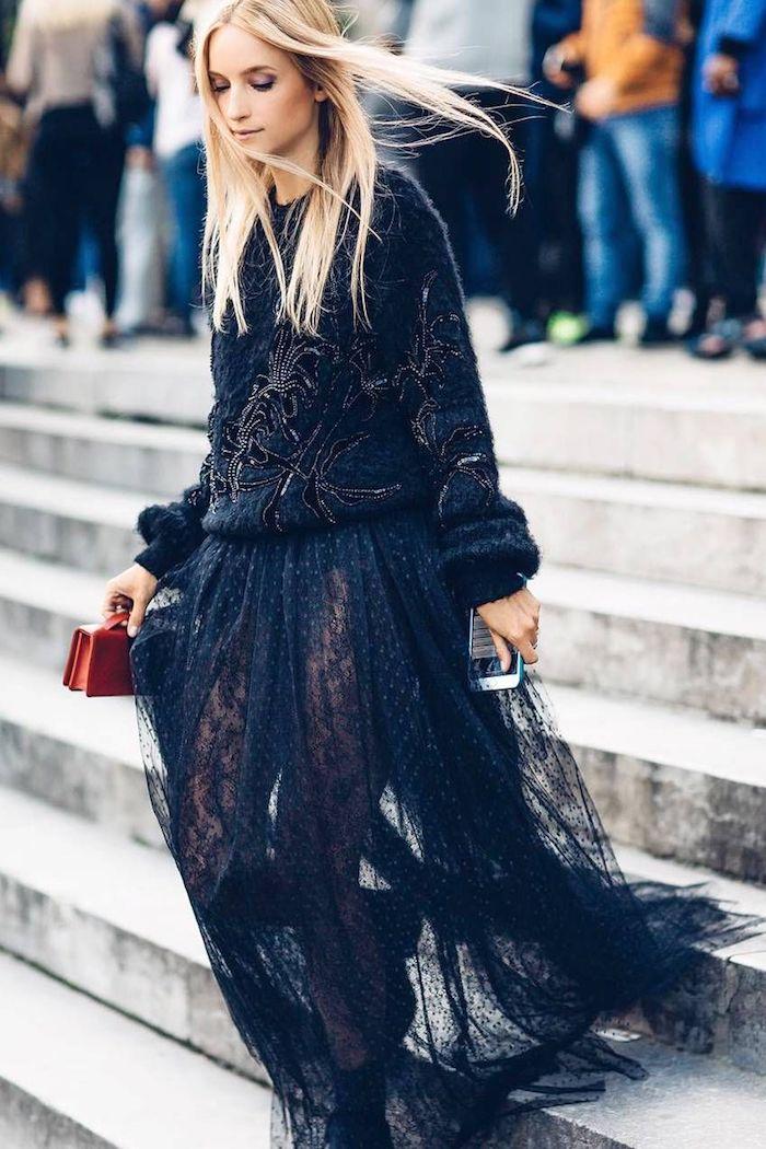 Dentelle jupe noire, pull fantastique, inspiration tenue classe femme, idée tenue confortable et chic