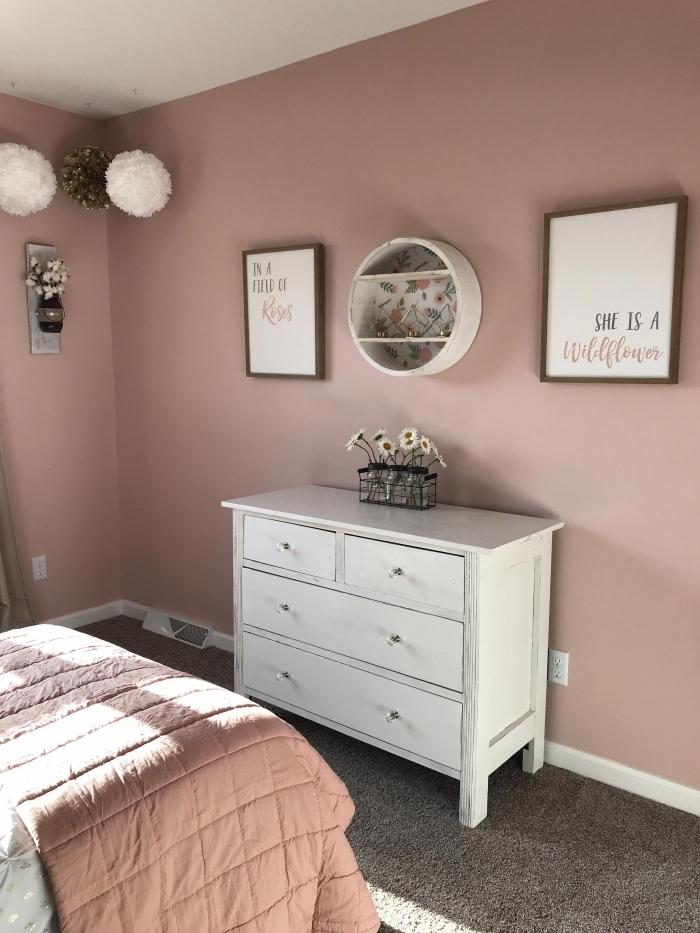 quelle peinture pour une chambre moderne, deco chambre romantique en rose et blanc avec accents en gris anthracite
