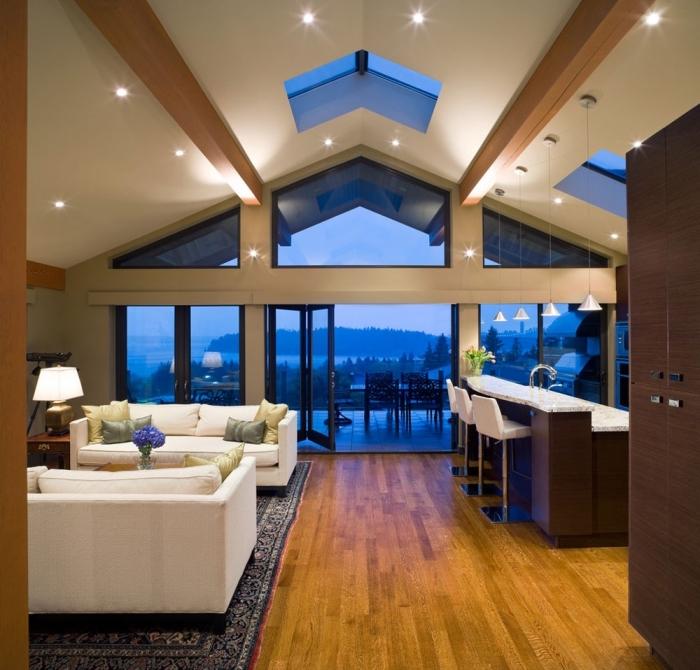 modèle de pièce à plafond blanc et bois à deux pentes avec fenêtre de toit, idée éclairage moderne en spots led