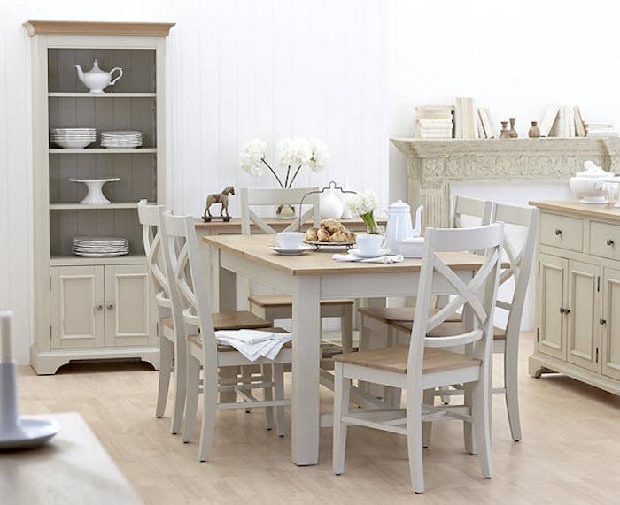 Table et chaises salle à manger, meubles style rustique peinture taupe, gris et bois, peinture meuble bois, customiser meuble bois, relooker meuble ancien en moderne