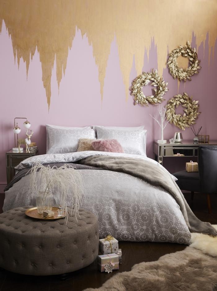 idée couleur peinture chambre rose, décoration murale avec peinture à effet métallisée or, chambre gris et rose