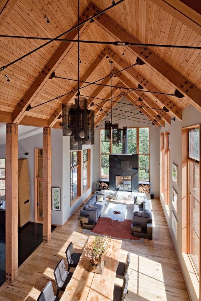 comment décorer un salon sejour cathédrale de style moderne, idée aménagement espace sous plafond haut