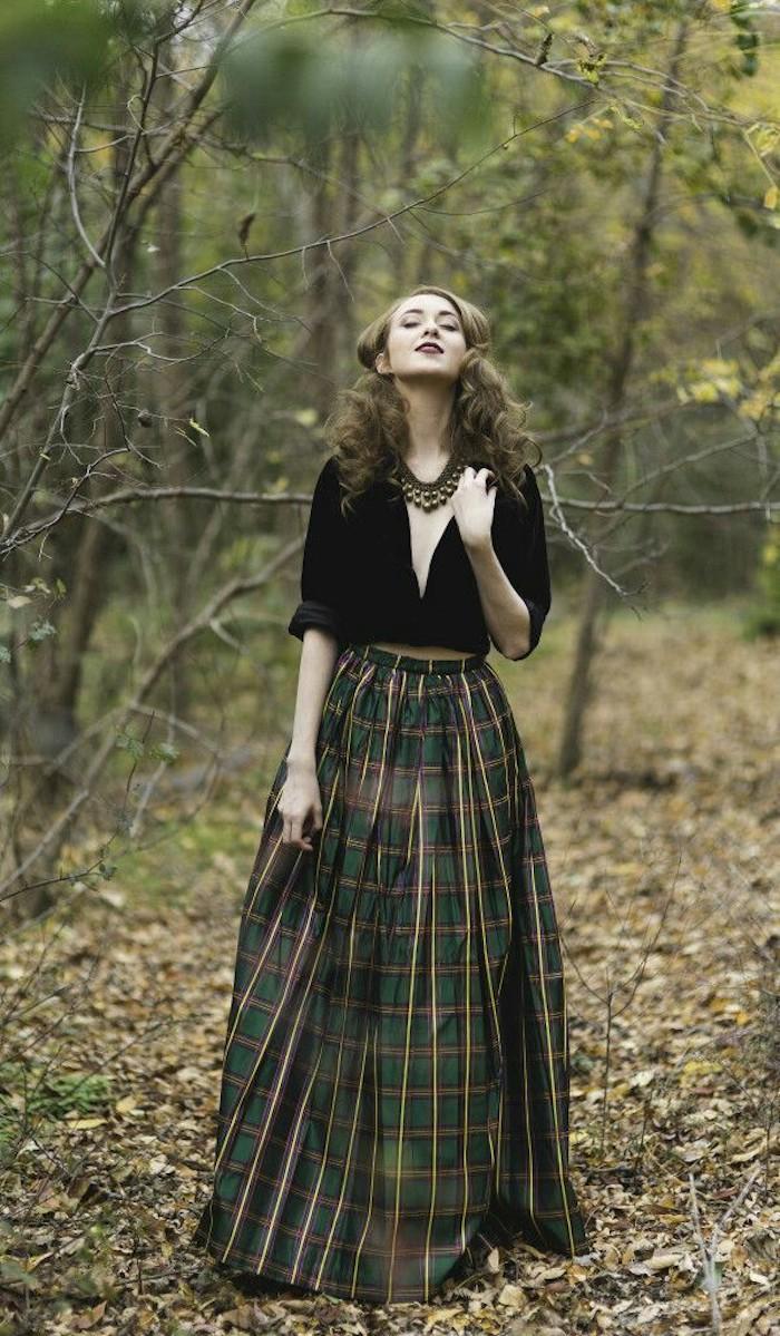 Deux pièces robe manche longue, adopter le style de l'automne hiver, femme dans foret en automne