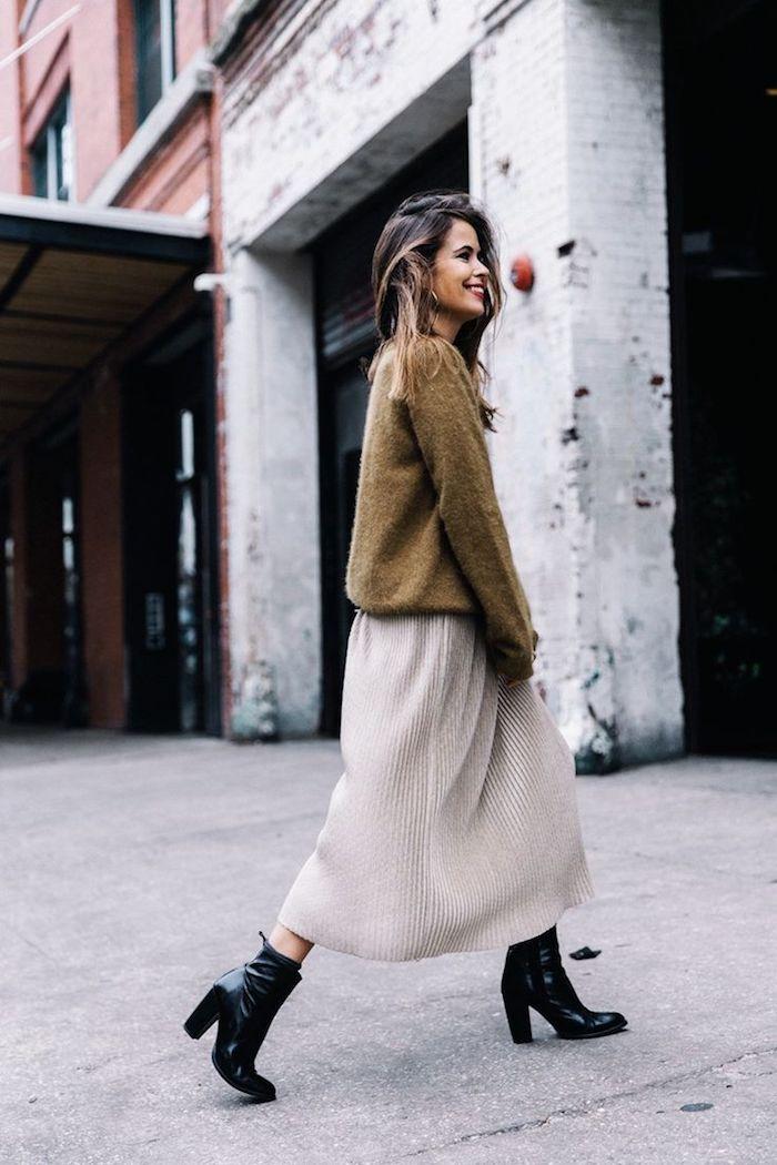 Jupe pull beige et top vert, bottines à talon robe velours, robe longue manche longue stylée pour femme