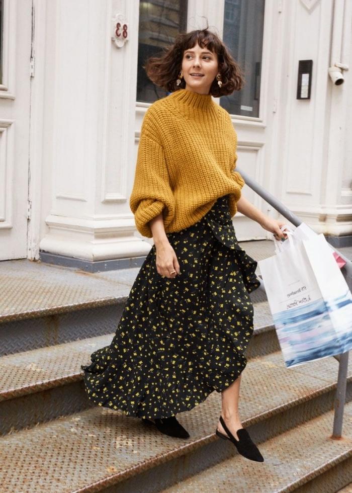 style vestimentaire femme hiver, idée look casual chic femme automne, comment porter une jupe longue boheme