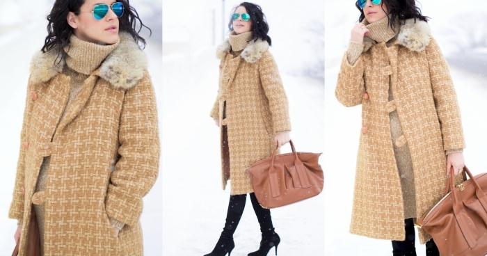 idée manteau femme enceinte de couleur beige, look grossesse hiver en robe pull beige avec cuissardes noires