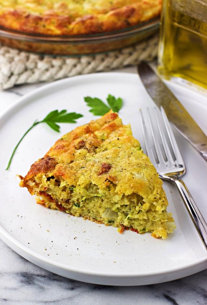 recette de quiche sans pate facile aux courgettes, tomates séchées et mozzarella