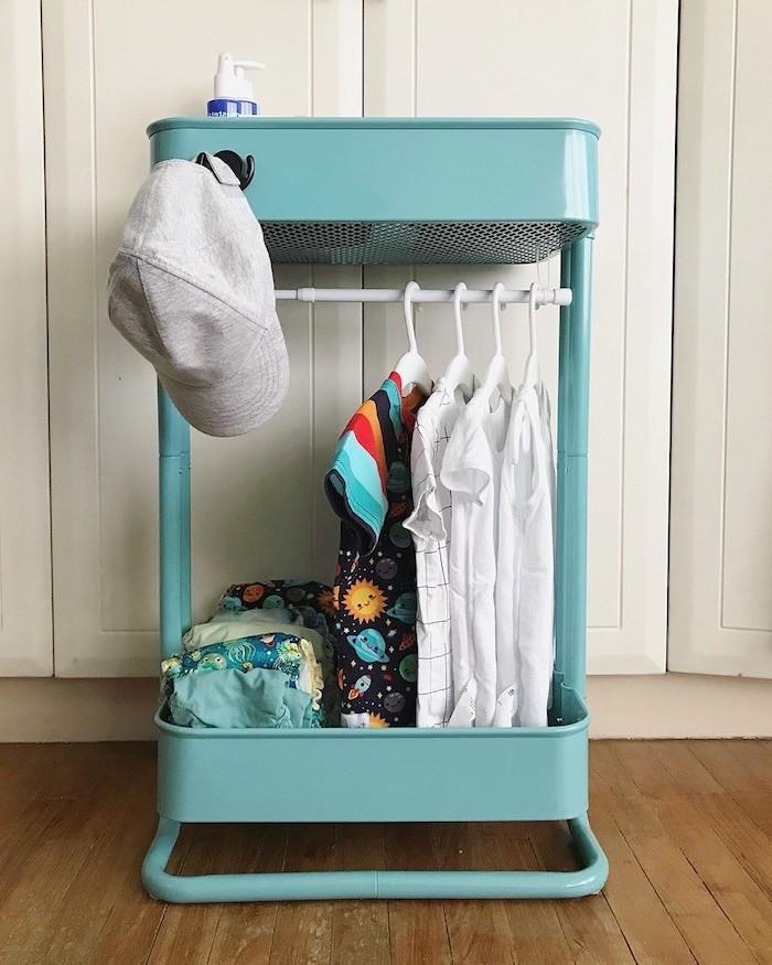 rangement chambre enfant original end desserte de cuisine ikea recyclée, petite penderie vetements enfant