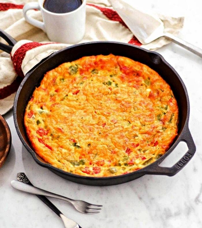 recettes healthy pour manger sans gluten, quiche végétarienne sans pâte et sans gluten aux poivrons rouges