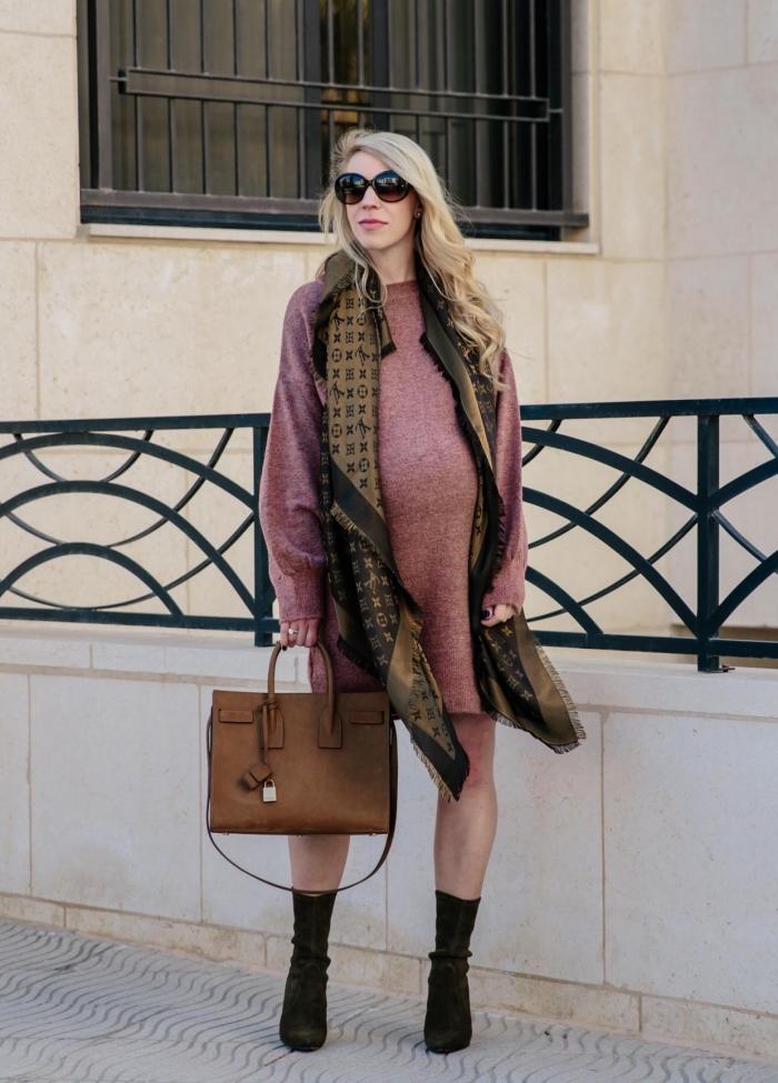 exemple comment porter une robe maternité pull avec bottines, idée accessoires mode femme grossesse automne hiver 2019