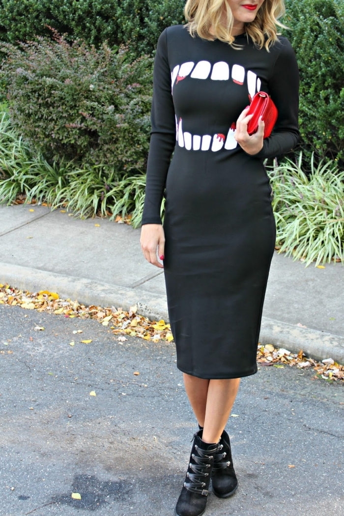 tenue halloween pour femme déguisée en vampire, modèle de robe noire Halloween mi-longue, idée déguisement halloween femme